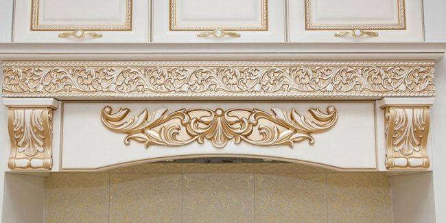 Декоративный элемент на корпусной мебели